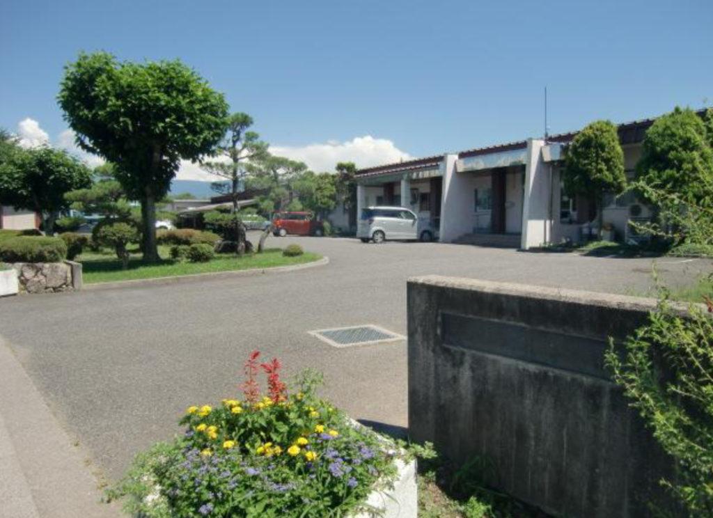 県立松本養護学校の分教室を市立小中学校へ